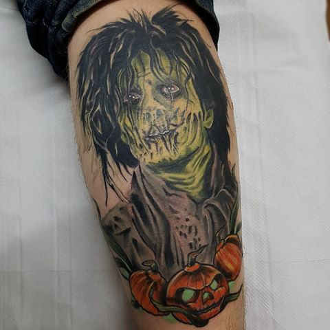 Got to finish this colour portrait today. My first one. Face and lines are healed. #hocuspocus #colourtattoo #colourportrait #horrortattoo #horror #eternalink #kwadronneedles #fkirons #magictattoo #tattoosbyshaunyp #peterborough #uktattooartist #uktoptattooartists #uktta