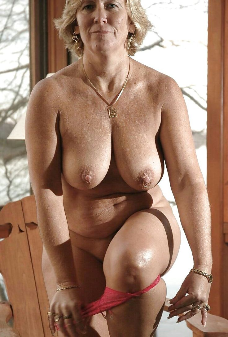 Nude mature woman big belly