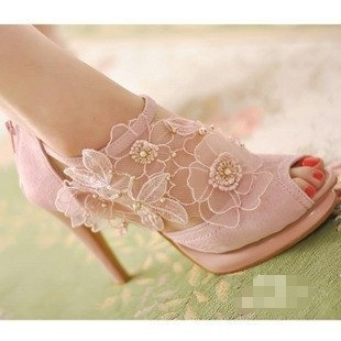 Romantic Pale Pink Leather W/Outer Floral Applique Open Toe Heels Size 8 New