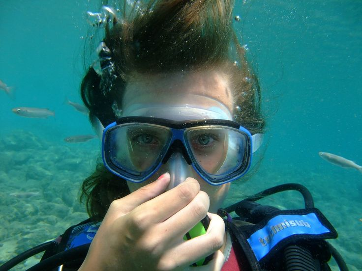 Scuba Diving Mask - Tips on how to stop leaks and prevent it from fogging up. http://www.deepbluediving.org/scuba-diving-gear-list-the-complete-guide/