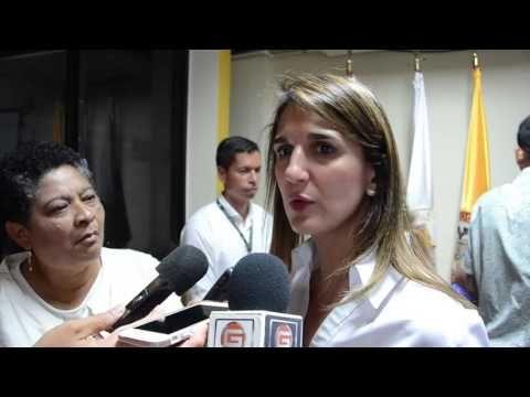 Entre Notas Rosa Multimedia: Uniguajira: Ministra de Educación muestra compromi...