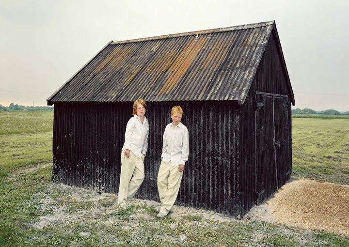 Креатив, сюрреализм и британский юмор в фотографиях Дэвида Стюарта