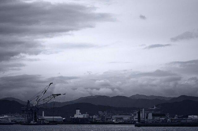 港のざわめき