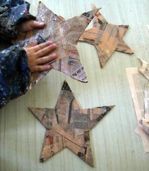 Estrella de Navidad con Papel Mache: http://www.manualidadesinfantiles.org/estrella-de-navidad-con-papel-mache/