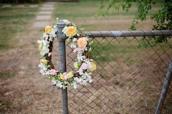 A DAISY FIELD WEDDING: JESS   EVAN