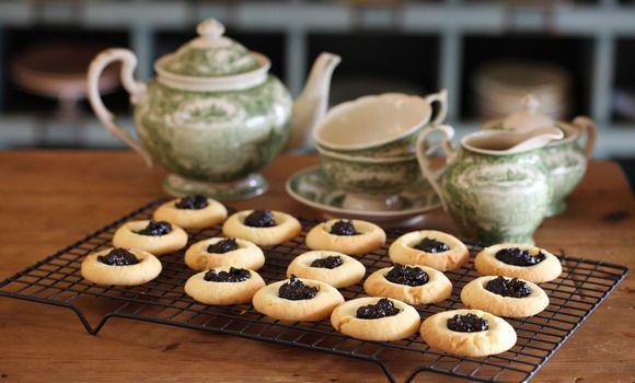 Jam drop biscuits with burnt fig jam (low sugar)