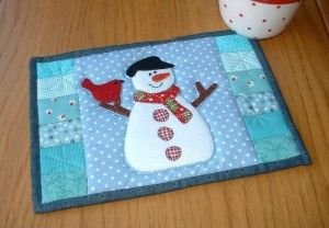 Snowman Mug Rug pattern: http://quilting.myfavoritecraft.org/christmas-quilting-patterns/