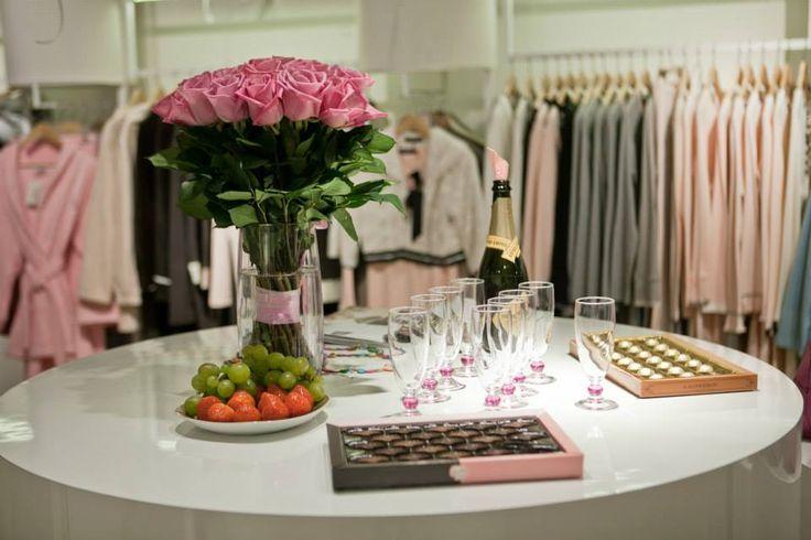 Glamorous mise en place for #pepita #saintpetersbourg b-day #fashion