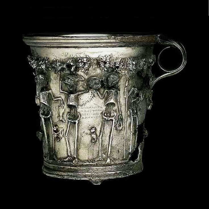 """*THE TREASURE of BOSCOREALE ~ buried just before éruption of Vesuvius in 79 yielded a pair of gilded silver cups which have skeletons under a garland of roses. Greek inscriptions in dotted characters are legends, accompanied maxims: """"Enjoy while you're alive, the future is uncertain. """"  That was the meaning of these cups used by richs Romans at banquets in oratorical contests that allowed them to show their Hellenic culture."""