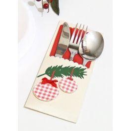 Etui na sztućce to idealna i oryginalna dekoracja i ozdoba Twojego stołu w dniach Świąt Bożego Narodzenia.