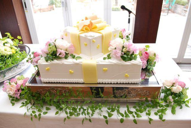 グランシェール葉山庵(Grandciar葉山庵)|結婚式場写真「大人気のリボンをイメージしたウエディングケーキ☆」 【みんなのウェディング】