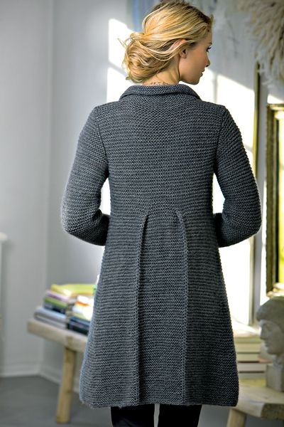 There are some really beautiful knits on this site, but they look kinda tricky...I don't know if they are beginner enough