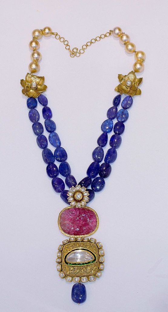 Beautiful Necklace by Falguni Mehta