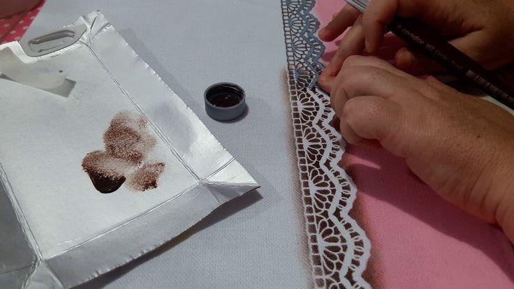 Barrado falso com stencil (pintura em tecido)