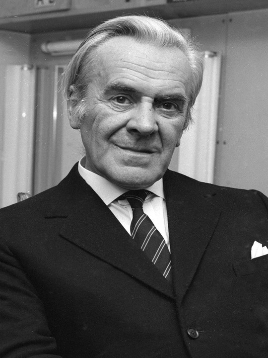 John Le Mesurier (John Elton le Mesurier Halliley) (April 5, 1912 - November 15, 1983) British actor (o.a. Dad's Army).