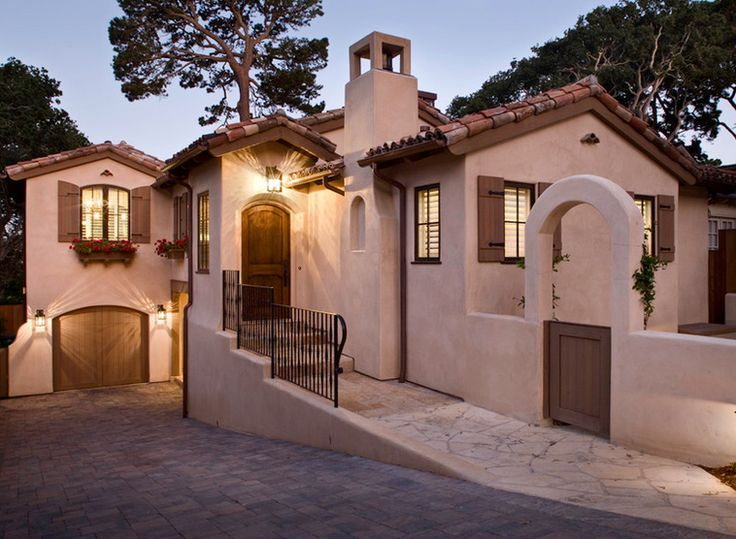 79 best mediterranean style homes images on pinterest for Mediterranean stucco