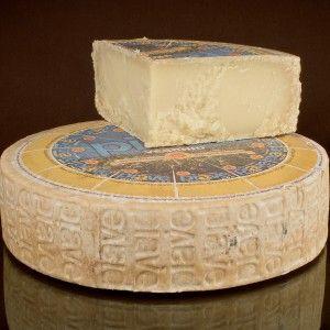 Piave PDO #Cheese #ItalianCheese #ItalianFood #Italy #Veneto #Belluno http://www.formaggio.it/formaggio/piave-d-o-p/