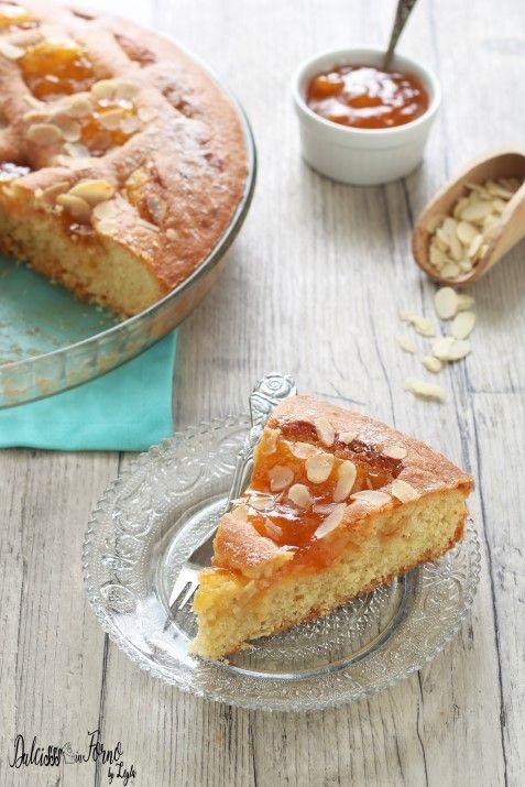Torta con mandorle e marmellata di albicocche facile e veloce ricetta Dulcisss in forno by Leyla