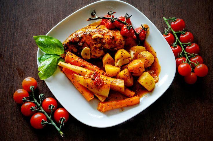 Fit & Fast Kitchen: Pieczona pierś z kurczaka z warzywami