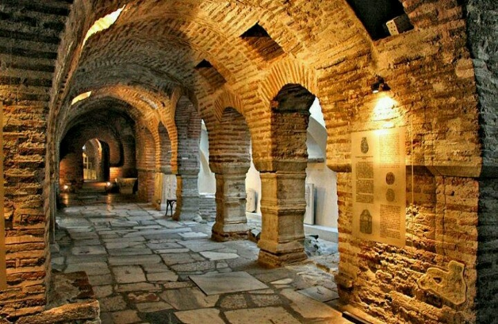 Thessaloniki,Catacombs of St Dimitrios church!