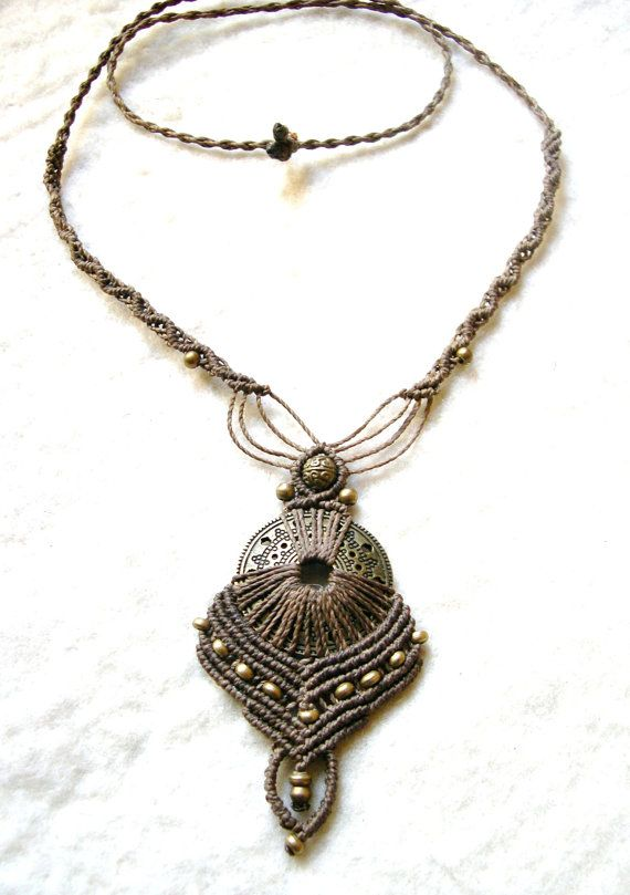 Macrame Necklace Earth Fairy by MagicKnots on Etsy, €25.00