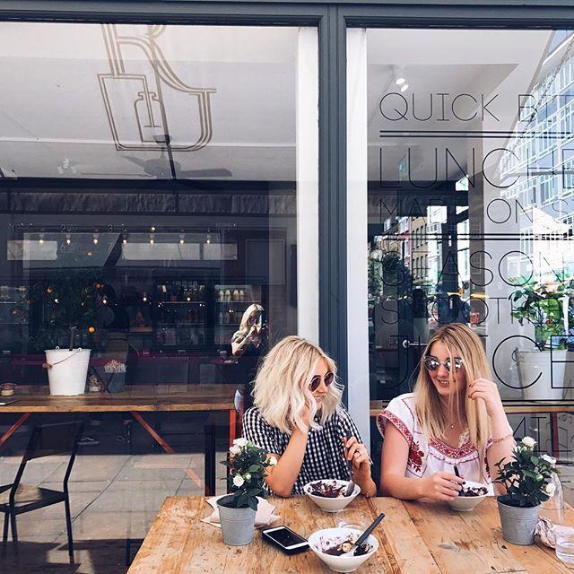 sisters in london!!