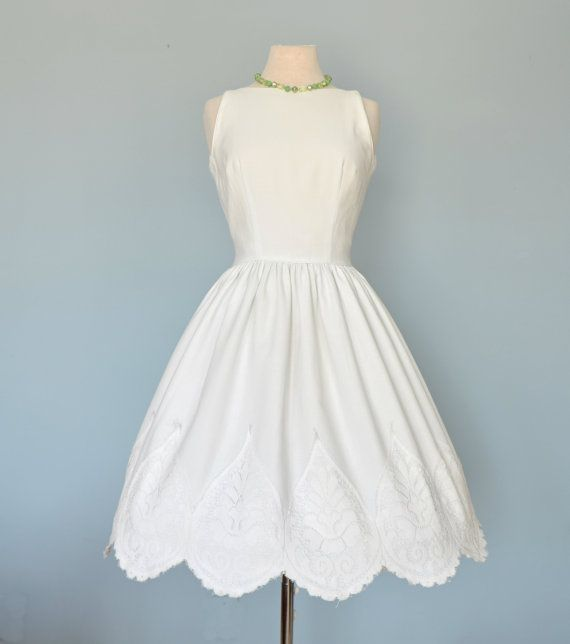 Vintage Wedding Dresses 1960s: Vintage 1960s Wedding Dress...JONATHAN LOGAN White Cotton