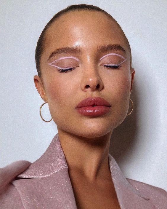 Delineador gráfico é a nova tendência da beleza   – lookinhos