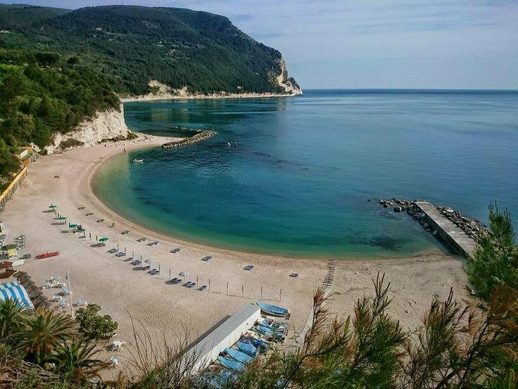 http://www.hotelsinmarche.com/monte-conero  Spiaggia Urbani , #Portonovo #Ancona di Massimo Martedì
