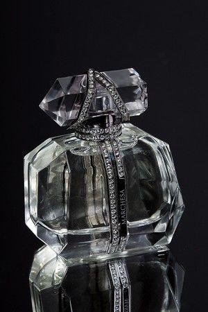 Marchesa Parfume d'Extase.: Beautiful Makeup, Fragrance, Beautiful Bottle, Marchesa Launch, Parfum D Exta, Perfume Bottle, Parfum Dexta, Beautiful Blog, Marchesa Parfum