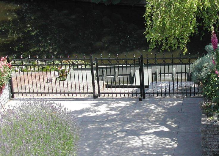 model-nijenburg-3. Maatwerk sierhekwerk van metaal voor tuin, voortuin en balkon.