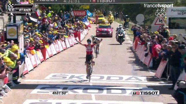 Томас Де Гендт  – победитель 12-го этапа Тур де Франс-2016 http://velolive.com/velo_race/tour/12543-thomas-de-gendt-pobeditel-12-go-etapa-tour-de-france-2016.html  Томас Де Гендт (Thomas De Gendt), 29-летний бельгийский гонщик команды Lotto Soudal, одержал победу на 12-м этапе Тур де Франс-2016 с финишем на Мон-Ванту. Этап, проходящий в День взятия Бастилии, был сокращён из-за сильного ветра на 6 км, гонщики финишировали у Шато-Рейнар на высоте 1435 м. Де Гендт отобрался в многочисленный…