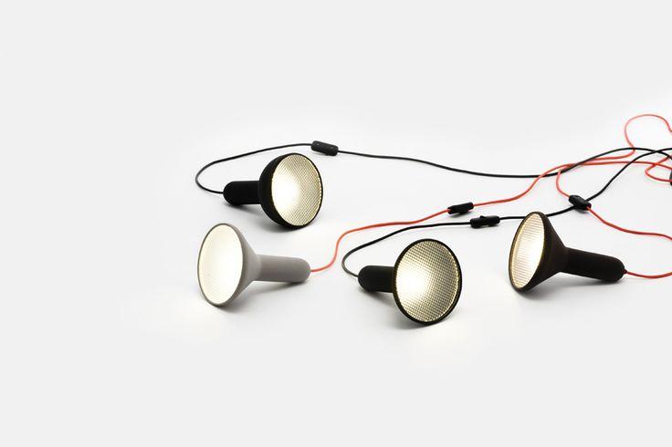 Torch Light Established & Sons http://www.differentdesign.it/torch-light-established-sons/ #TorchLight #Established&Sons, è una #lampada a #sospensione che ricorda la classica #torcia #elettrica ed il #fanale delle #autovetture.