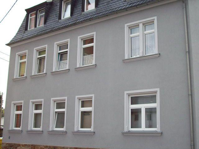 die besten 25 fassadenfarbe grau ideen auf pinterest wei e fassade h user farbe grau und. Black Bedroom Furniture Sets. Home Design Ideas