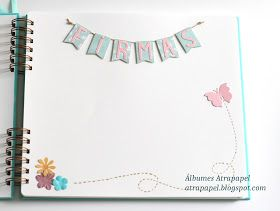 El álbum de la comunión de Elena lleva adornadacada una delas páginas para dedicatorias y tambiénla primera de las páginas parafotos....