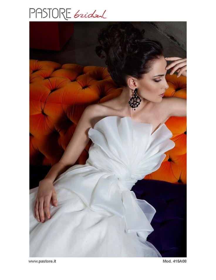 Pastore Bridal Colletion 2015  Bridal e Wedding Dress #bridal #wedding #bridal #pastorepress  #matrimonio #abitidasposa #ebetapr www.pastore.it