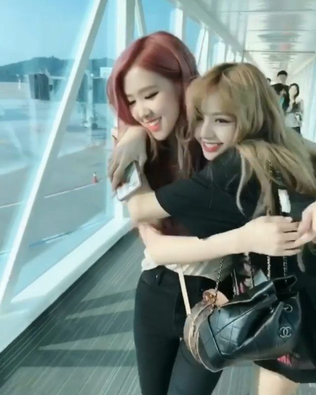 Tag Your Best Friend Blackpink Photos Blackpink Korean Best Friends