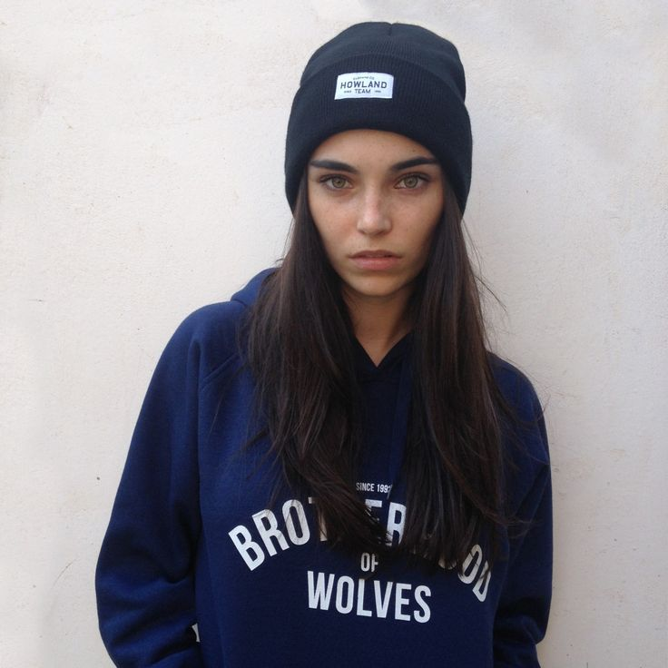 Tomboy Girl, Skater Style, Skater Girls, Pretty Face, Winter Wear, Cold  Weather, Winter Fashion, Casual, Winter Fashion Looks