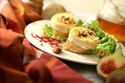 Salade de chèvre chaud et sa vinaigrette à l'érable
