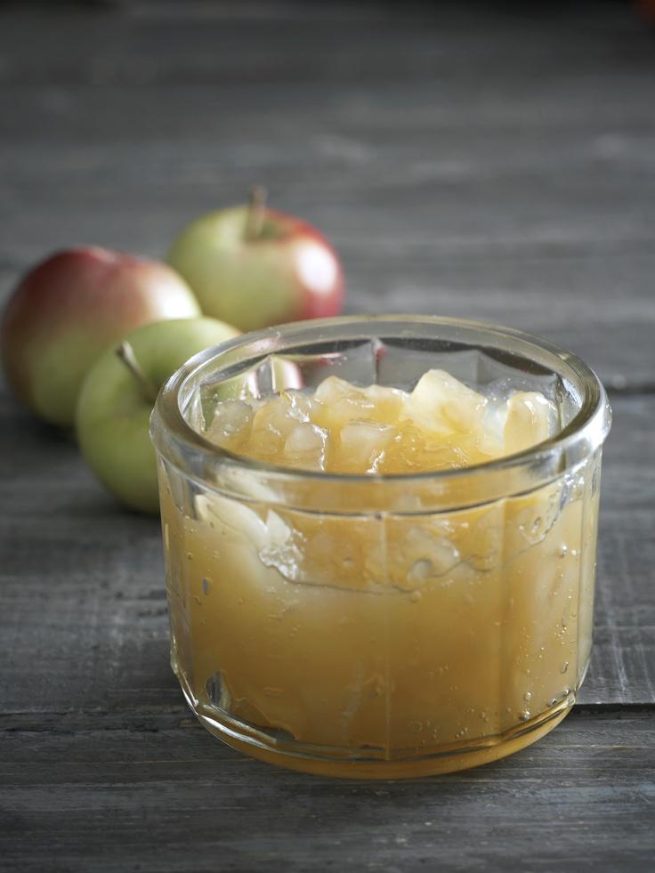 Omppuhillo oman maun mukaan: http://www.dansukker.fi/fi/resepteja/omppuhillo-oman-maun-mukaan.aspx  Kanelia, inkivääriä vai konjakkia - miten sinä maustat hillosi?    #omenahillo #hillo #omena #omppuhillo