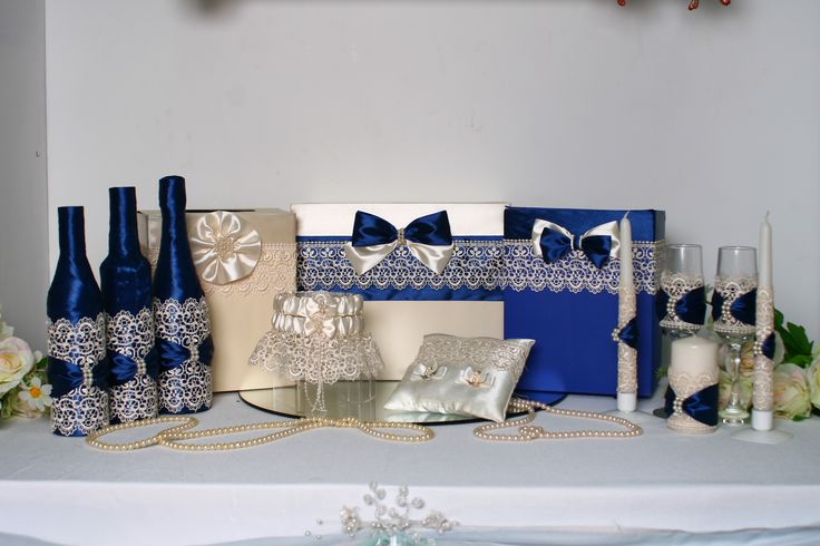 Свадебный комплект с изящным кружевом в сочетании королевского синего и цвета айвори. #свадьбы #комплект_атрибутов #ручная работа #синий #айвори #кружево #soprunstudio