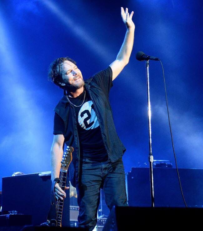 Eddie Vedder - Pearl Jam - Fenway Park, Boston 2016