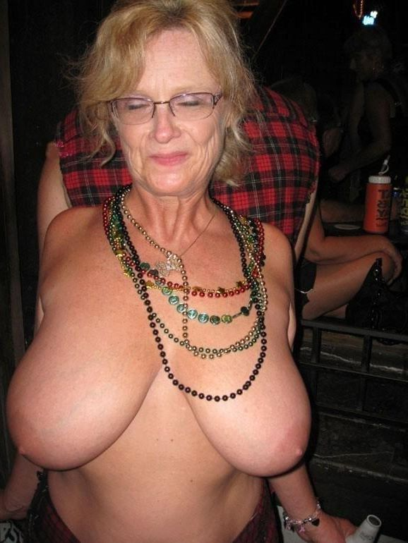 Drunk mature women-2655