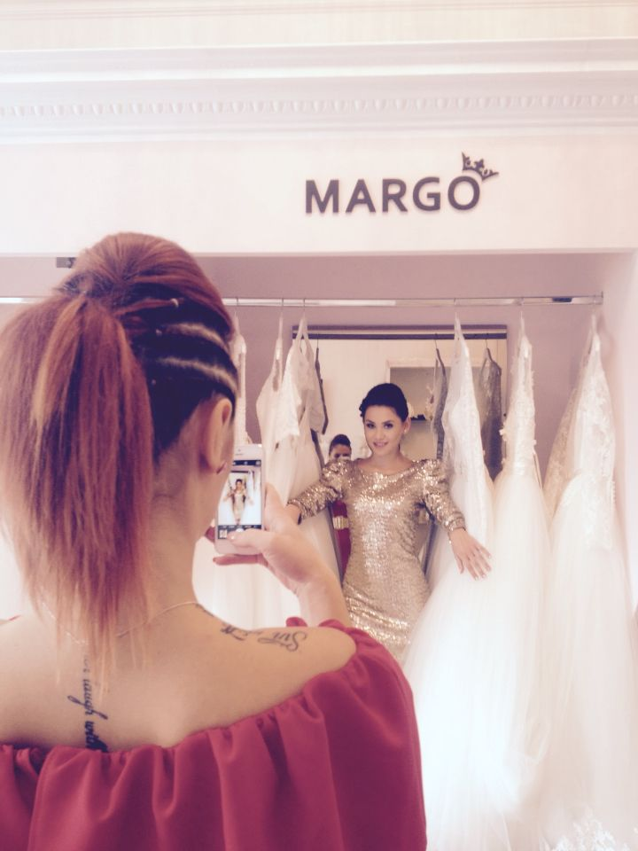 Work in progress! Shooting by @multiartprojects for DS. #fashion #girls #DS #dress #shine  #margo #margoconcept #king #shooting #fun #mood #bride #evenintdress #multiartprojects