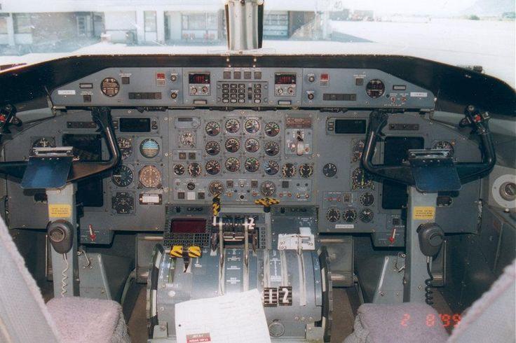 Dash 8-300 cockpit - Bombardier Dash 8