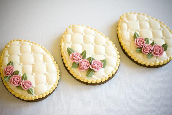 Elegant Easter cookies