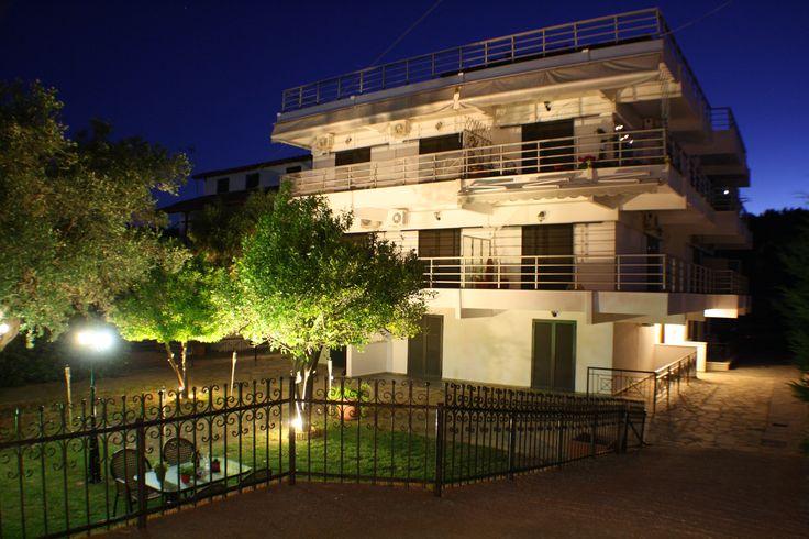 Salonikiou Beach Deluxe Apartments στην πόλη Άγιος Νικόλαος, Χαλκιδική