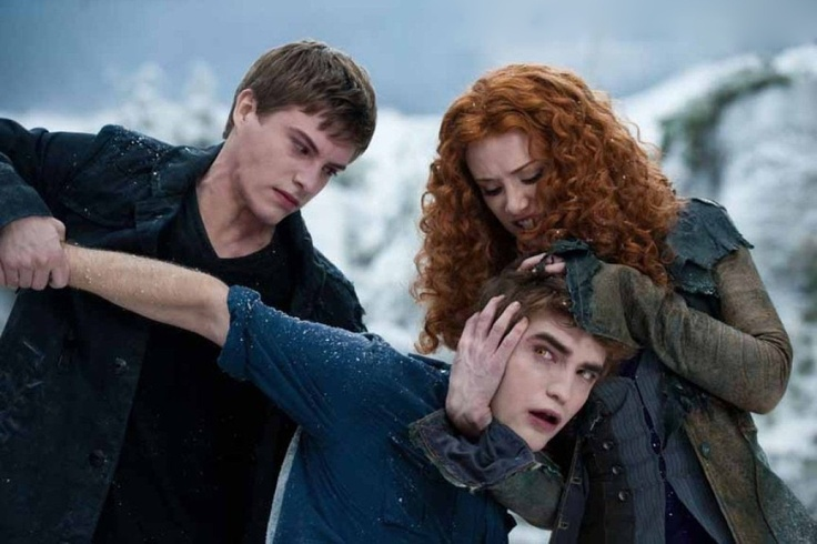 ARRRRRRRRRGGGGGGGGHHHHHHHH, NO EDWARD ...............Bella will save you!!!! Woop Woop!!!! Riley Biers, Victoria and Edward Cullen in The Twilight Saga: Eclipse <3