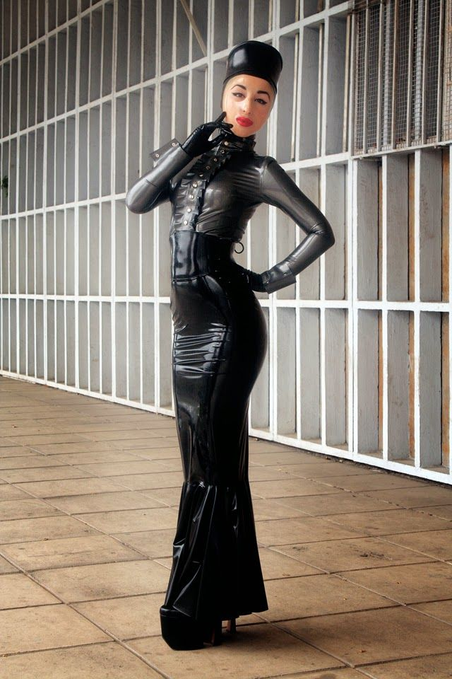 Marilyn Yusuf S Passion For Latex Heavy Rubber In Public