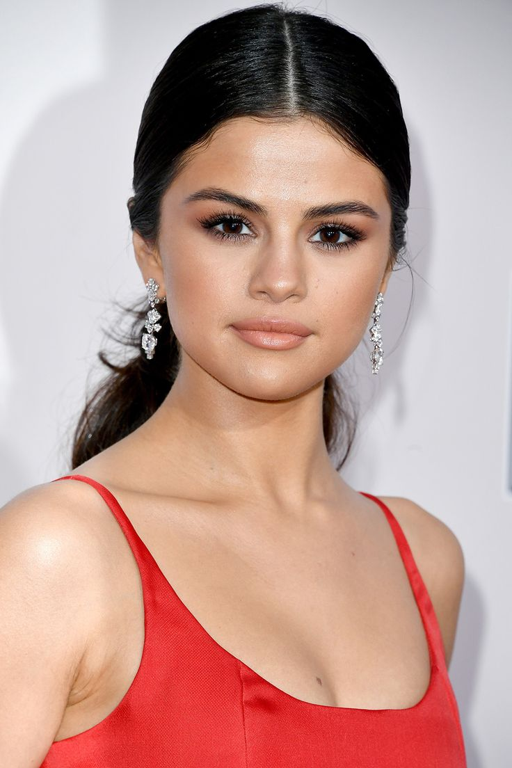 The Best Red Carpet Beauty Looks from the 2016 American Music Awards - Selena Gomez from InStyle.com